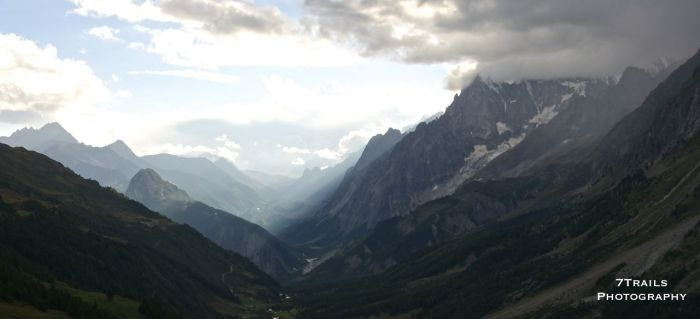 Evening clouds moving in over Val Ferret