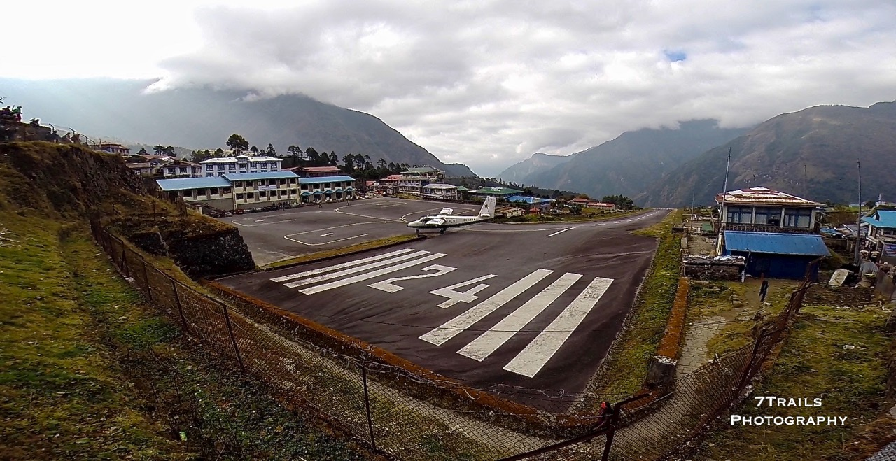 Ever Wonder What It Would Be Like To Land at the World's Most Dangerous Airport?